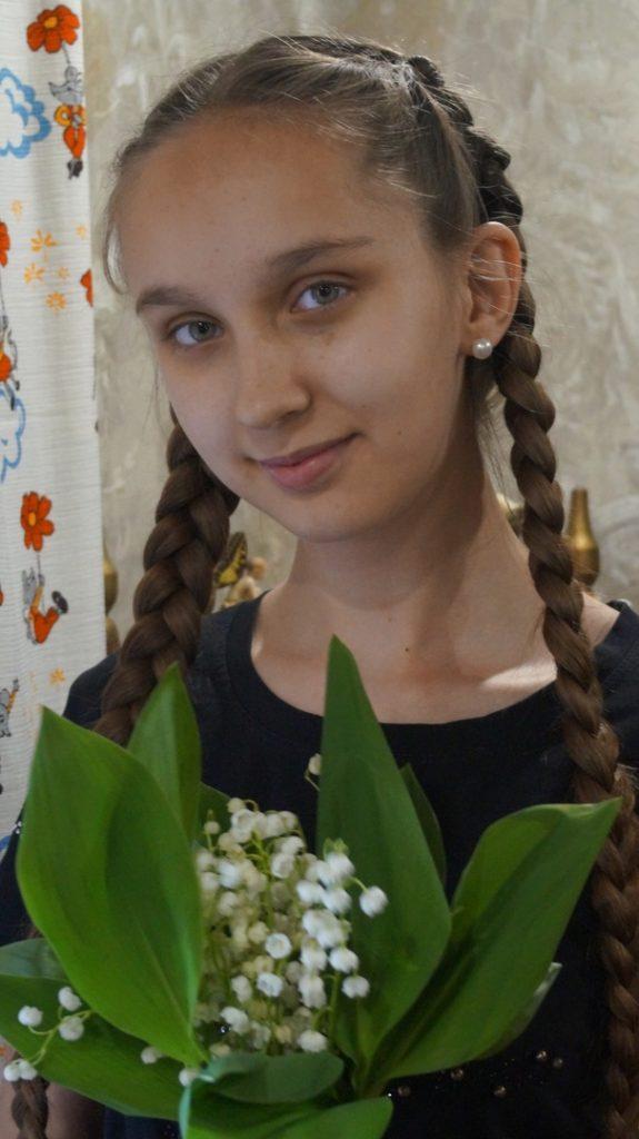 Bohdanka Něščeret-Doča, 14, vlastenka, básnířka, Alčevsk, LLR