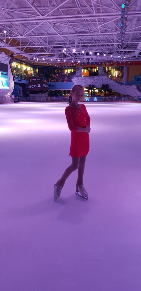 Albina Brustilova, 13, krasobruslařka, Doněck, DLR