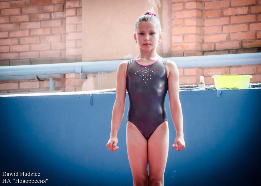 Amalka Zadvornaja, 13, sportovní gymnastka, Doněck, DLR