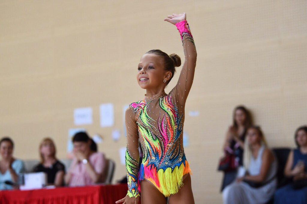 Kira Pušilina, 12, moderní gymnastka, Doněck, DLR