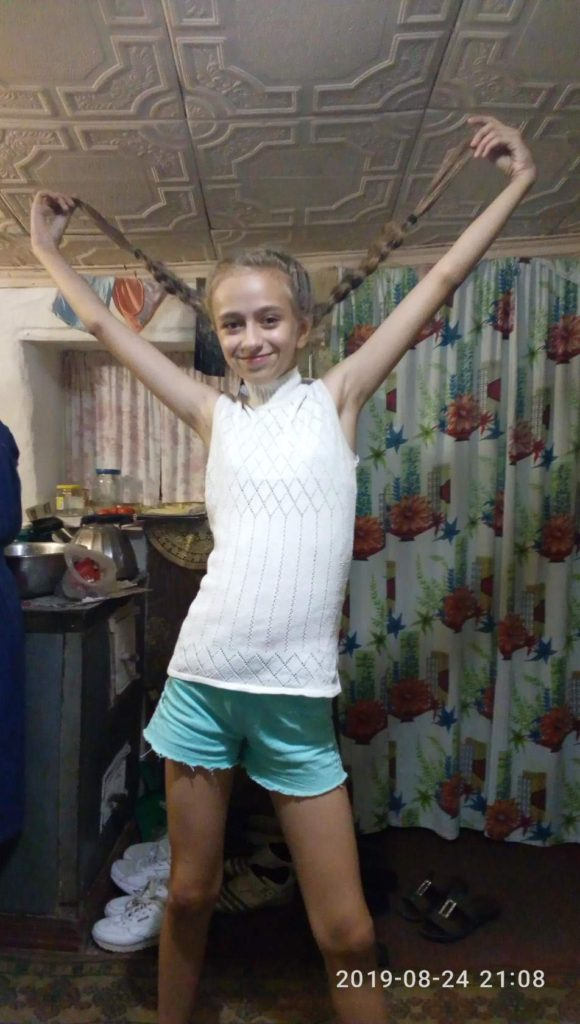 Aňa Jaskulskaja, 14, zpěvačka, Alčevsk, LLR
