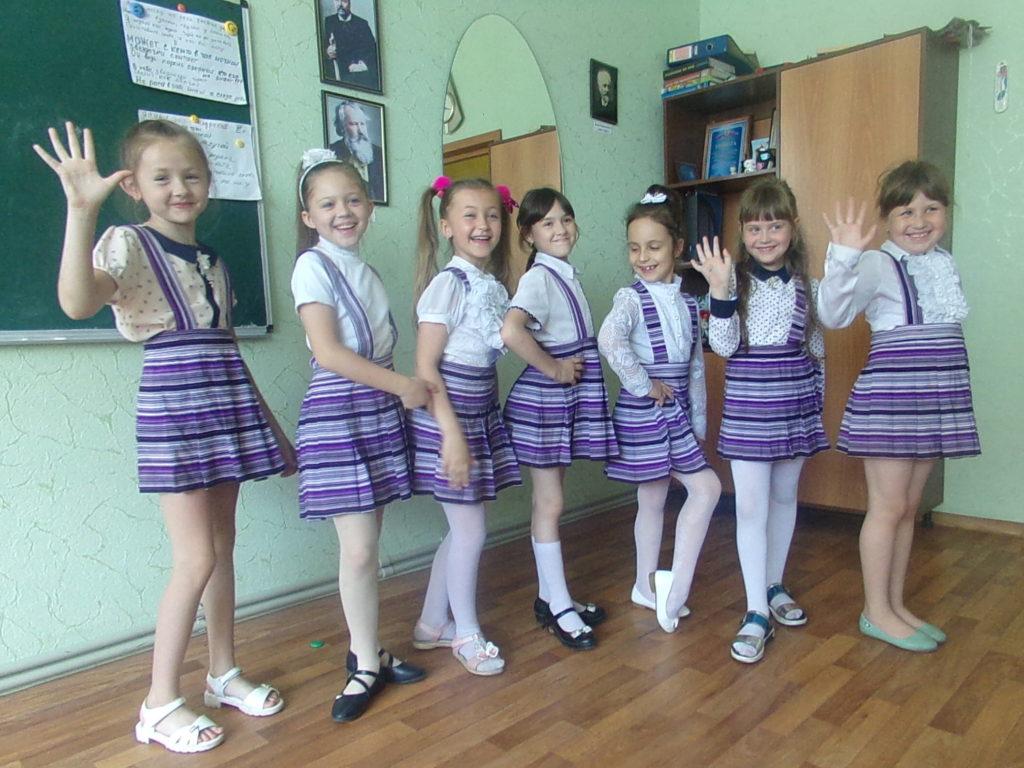 Pěvecký soubor Vesnušky, Dětská škola umění, květen 2019, Perevalsk, LLR